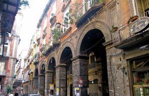 Via dei Tribunali, Napoli, la strada più antica della città, autentico simbolo della Partenope greca-1