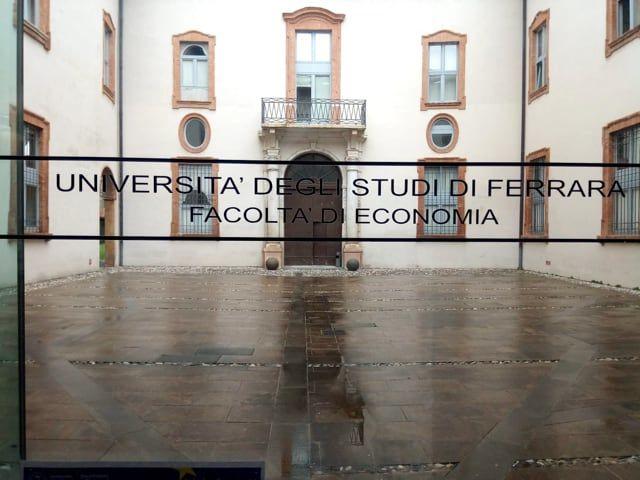 Napoli fashion on the road il tour universitario è iniziato da Ferrara, Emilia Romagna-1