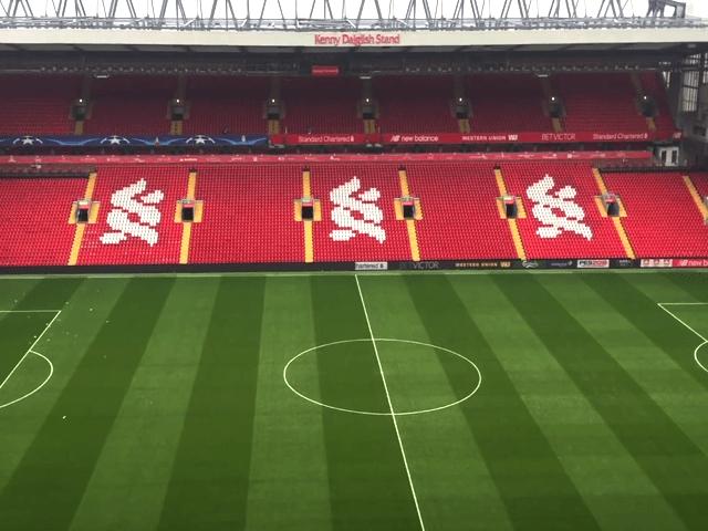 Sale in maniera esponenziale l'attesa della tifoseria azzurra per il big match di stasera Liverpool vs Napoli-1