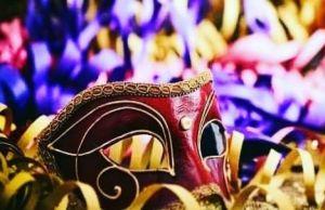 Fervono i preparativi per l'ultimo di Carnevale ai quartieri Spagnoli di Napoli-1