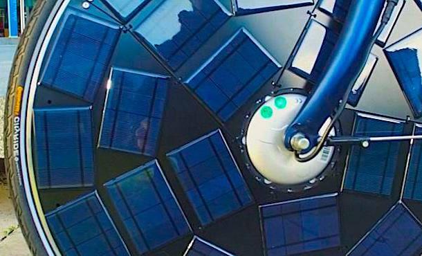 La bicicletta elettrica alimentata a energia solare