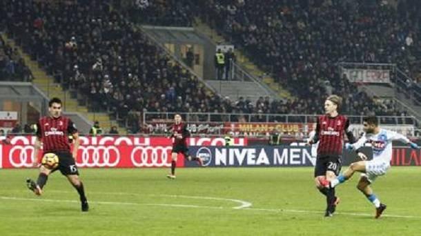 Insigne e Calljon regolano la pratica Milan