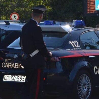 Tragedia della disperazione a Firenze, pensionato uccide moglie e figlia, poi si spara