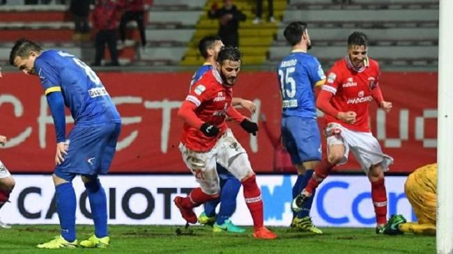 Ventottesima giornata serie B, cadono ancora Benevento e Salernitana, Avellino agguantato sul filo di lana