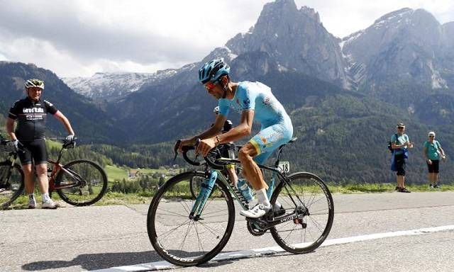 Grave lutto nel ciclismo italiano, morto travolto da un furgone Michele Scarponi