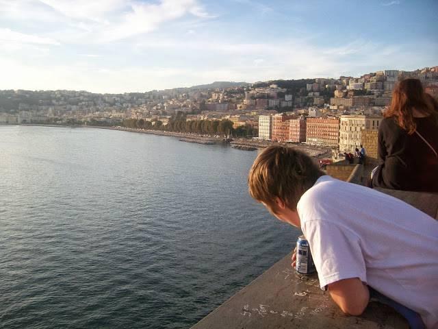 boom-di-turisti-a-napoli-per-pasqua-header