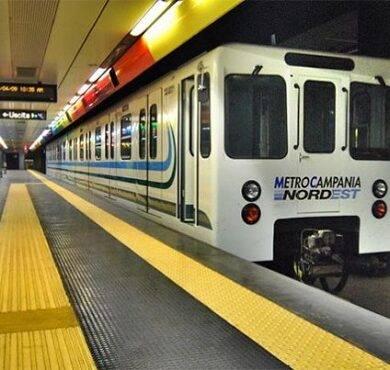 Metropolitana :Uomo travolto sui binari da un treno metropolitano nella stazione di Napoli San Giovanni
