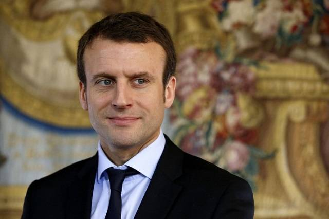 Elezioni Legislative francesi: Emmanuel Macron vero asso pigliatutto conquista la maggioranza assoluta che dà diritto a 445 seggi.