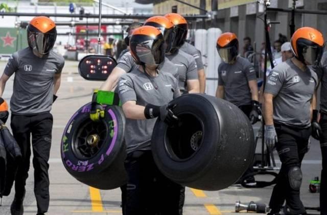 F1 GP di Montreal: Hamilton parte, ancora in pole, un record assoluto, con Vettel secondo alle spalle.