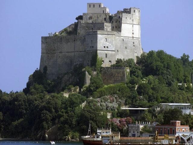 Baia, Napoli fashion on the road, riunisce il mediterraneo-
