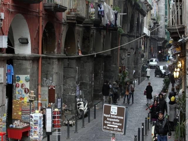 Napoli, le vie dei mestieri antichi-1