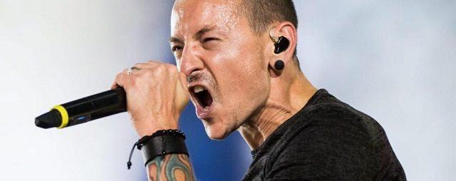 Il mondo della musica rock piange Chester Bennington, cantante Linkin Park