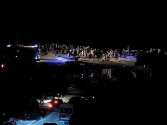 Cagliari Sant'Elia: gommone si infrange sugli scogli, due morti e due feriti