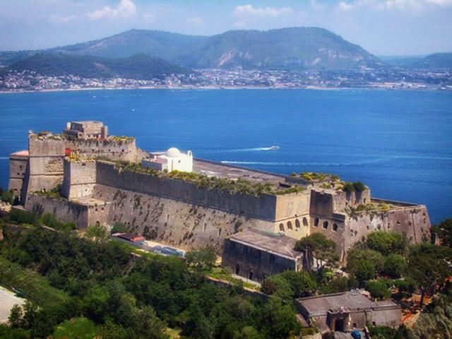 Museo Archeologico dei Campi Flegrei nel bellissimo Castello Aragonese di Baia-1