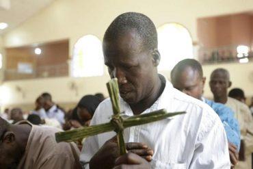 Stato di Anambra, Nigeria, Messa domenicale si trasforma in lago di sangue, molte le vittime
