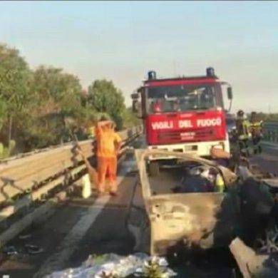 Ventiduenne italo-albanese ubriaco travolge sulla statale 16 auto che lo precedeva, morti carbonizzati i tre occupanti