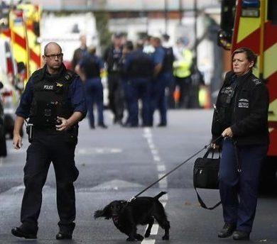 Bomba nella metropolitana di Londra: Isis rivendica paternità attentato
