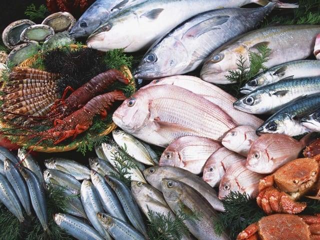 Il pesce a Napoli, la domenica, rappresenta un autentico rito-3