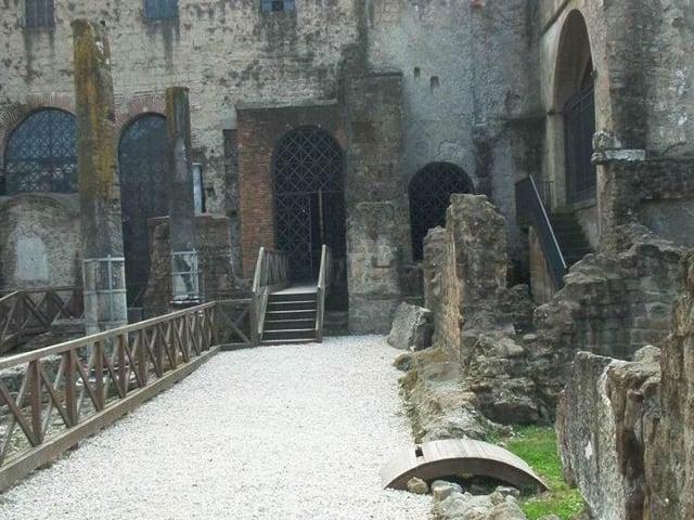 Le Basiliche paleocristiane di Cimitile tra bellezza, simboli e misteri-2