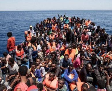 Libia occidentale: barcone naufraga nelle acque di Zuara, 8 le vittime accertate e 90 i dispersi, forse annegati