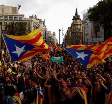 Madrid: tensione alle stelle, referendum indipendenza catalano abolito
