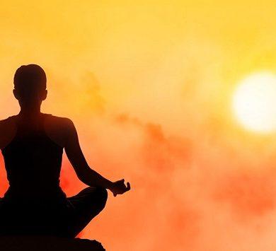 Primo Yoga Napoli Festival nella città partenopea; evento a Castel dell'Ovo