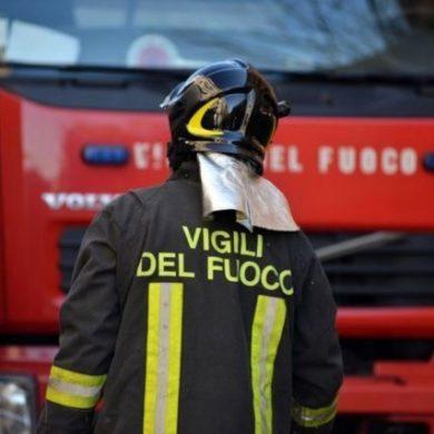Como incendio doloso padre appicca incendio alla sua casa 4 morti
