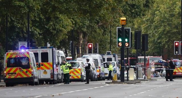 Centro di Londra: taxi si scaglia contro i passanti, 11 i feriti