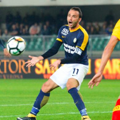 Hellas Verona vs Benevento 1-0 giallorossi ancora fermi a zero punti, Broni rischia esonero