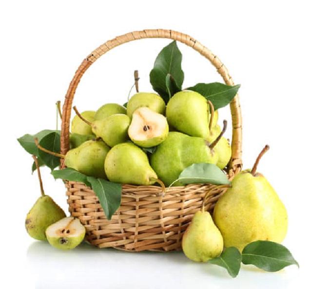 La pera, un frutto tanto gustoso quanto salutare e benefico, dovremmo mangiarlo ogni giorno