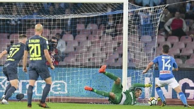 Lo scontro diretto del San Paolo,. Napoli vs Inter, termina senza reti. Azzurri sempre primi