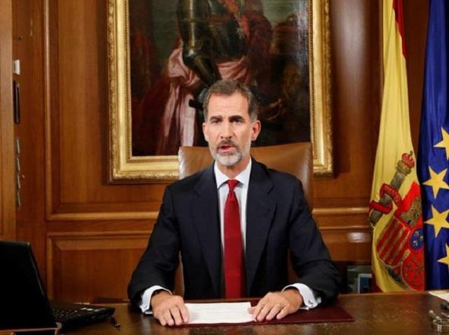Spagna in pieno caos, mega protesta di piazza, Re Felipe: slealtà Catalogna