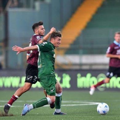 Rocambolesco derby regionale campano in serie B: Avellino da 2 -0 a 2-3 contro i cugini granata