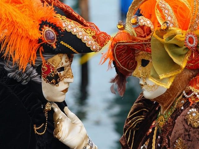 Ballo in maschera carnevalesca presso Complesso San Domenico Maggiore, Napoli domenica 11-2