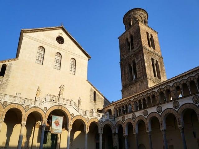 Cattedrale di Salerno principale luogo di culto della provincia campana-2