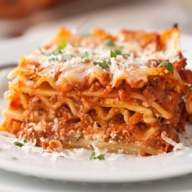 Lasagna napoletana il classico pasto di Carnevale, immancabile, quest'oggi, sulle tavole partenopee-1