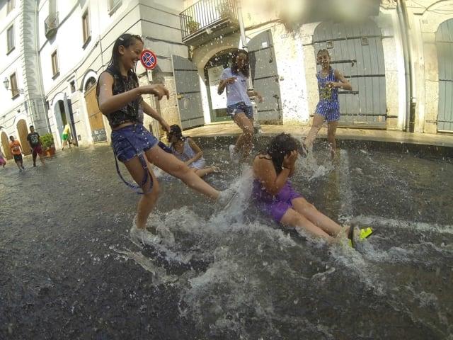 A Chiena Un Affascinante Festa Dell Acqua Del Borgo Di Campagna Sa