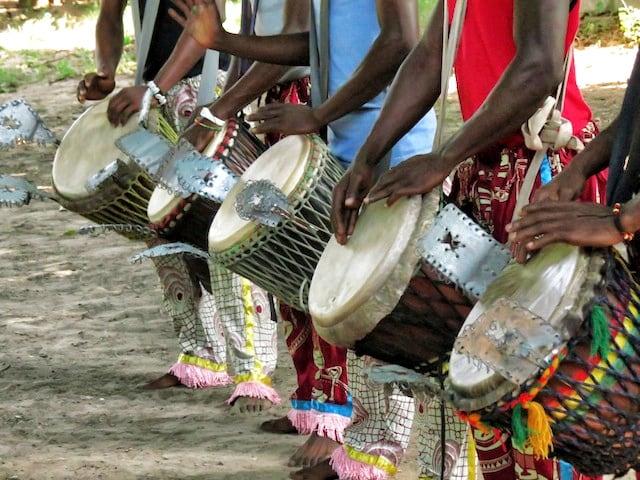 Aaninka cultura africana in scena a Napoli, spettacolo di canti e danze-1