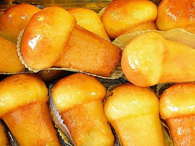 Baba al rum, dolce tipico della tradizione partenopea, che fa leccare i baffi-1