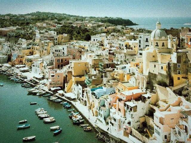 Festival Letterario Procida racconta sull'isola del golfo partenopeo, fino a domenica 10 giugno-1
