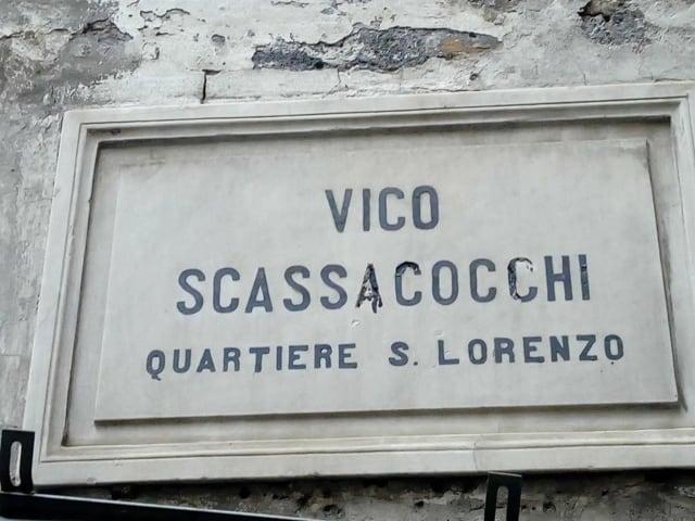 Vico Scassacocchi a Napoli