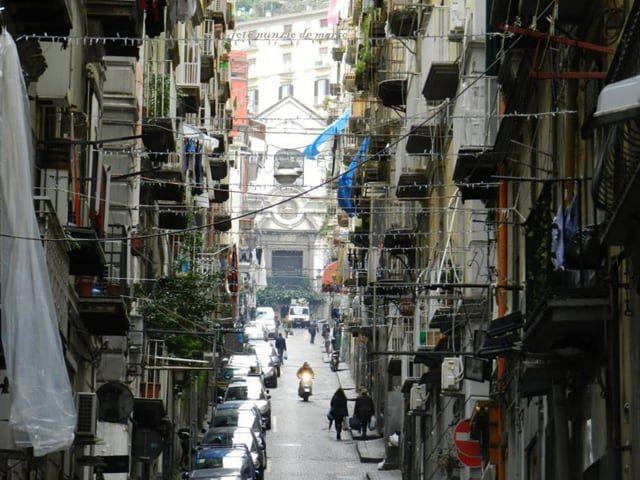 Quartieri spagnoli, un insieme di vicoli tra i più popolari della città partenopea