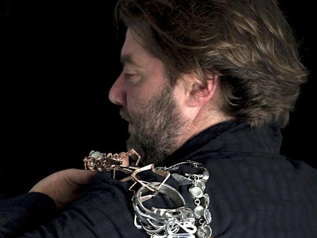Vincenzo Oste, visionario designer di gioielli, del Borgo dei Vergini a Napoli