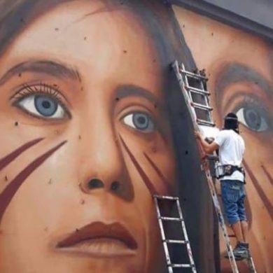 Il volto di Ilaria Cucchi su un murales di Jorit a Napoli, all'Arenella, in ambito diffusione Street Art-1