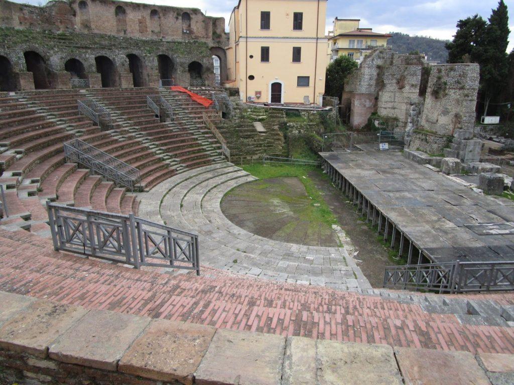 Il celebre Anfiteatro romano di Benevento accolse anche l'imperatore Nerone-2