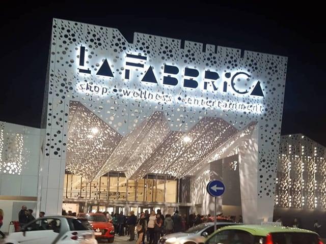 Inaugurata, a Salerno, la Fabbrica il primo Lifestyle Center d'Italia. Tripudio per il governatore De Luca-3