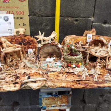Un Presepe fatto interamente di pizza trai i vicoli del centro storico di Napoli-1