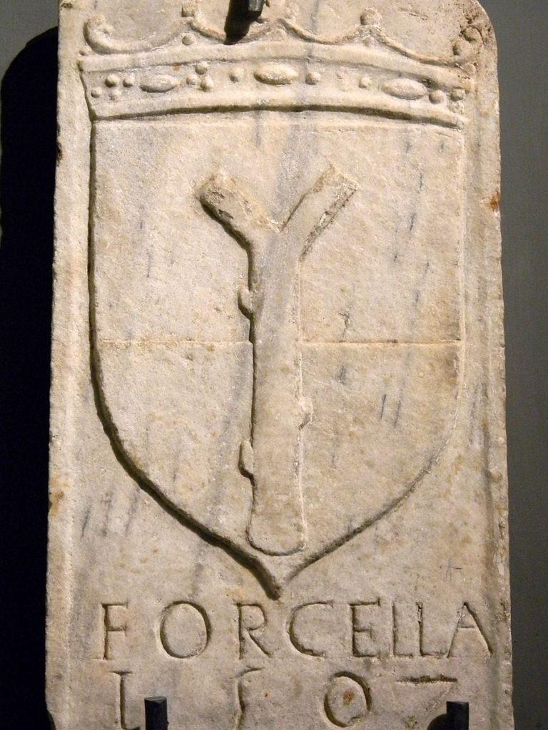 Forcella, quartiere tra i più famosi di Napoli, simbolo dell'armonia pitagorica-2