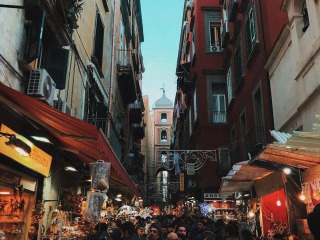 Record di presenze, a Napoli, in occasione di queste feste, lungomare, decumani e musei presi d'assalto