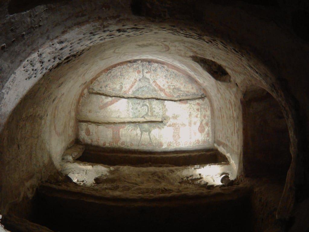 Le Catacombe di San Gennaro, una meravigliosa esperienza di bellezza, arte e storia-1